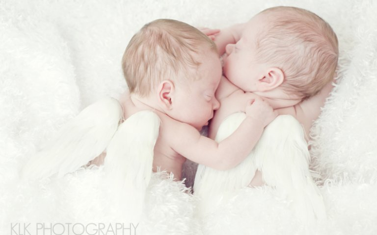 Newborn Twins: Photo Session by KLK Photography
